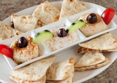 ilovespartans-gallery-hummus-and-pita